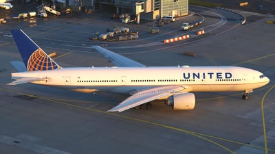 A picture of N77014 - Boeing 777224(ER) - United Airlines - © Daniel Klein