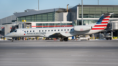 A picture of N801AE - Embraer ERJ140LR - [145469] - © Kevin Sung