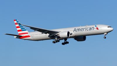 N724AN - Boeing 777-323ER - American Airlines