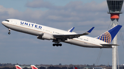 A picture of N686UA - Boeing 7673CB(ER) - United Airlines - © n94504