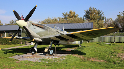 3W-K - Supermarine Spitfire Mk.IX - United Kingdom - Royal Air Force (RAF)