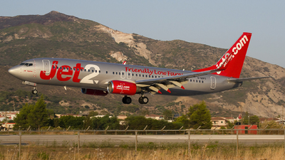 A picture of GGDFC - Boeing 7378K2 - Jet2 - © Martin Bernict