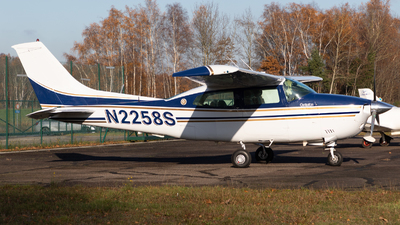N2258S - Cessna T210L Turbo Centurion  - Private