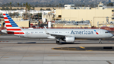 A picture of N400AN - Airbus A321253NX - American Airlines - © Jason Whitebird
