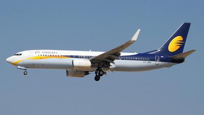 VT-JBD - Boeing 737-85R - Jet Airways
