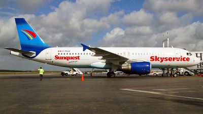 C-FOJZ - Airbus A320-214 - Skyservice Airlines