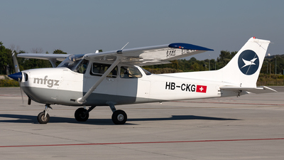 A picture of HBCKG - Cessna F172P Skyhawk II - [F17202251] - © Łukasz Stawiarz