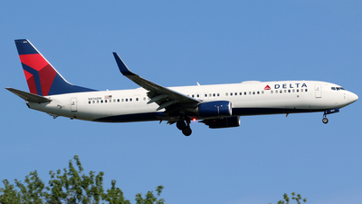 A picture of N816DN - Boeing 737932(ER) - Delta Air Lines - © Kaz T