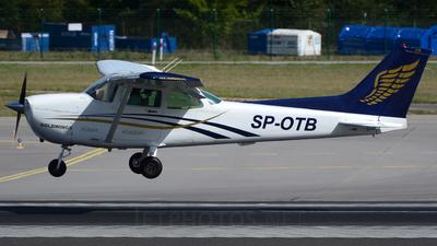 SP-OTB - Cessna 172 Skyhawk - Private