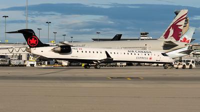 A picture of CFBJZ - Mitsubishi CRJ900LR - Air Canada - © MingyaoLeonardo