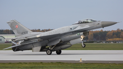 4068 - Lockheed Martin F-16C Fighting Falcon - Poland - Air Force