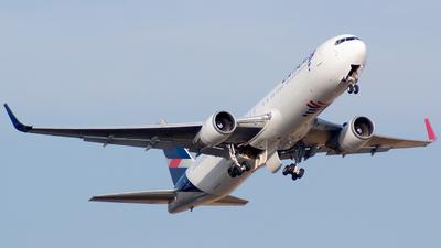 A picture of CCCXG - Boeing 767316(ER) - LATAM Airlines - © Ricardo Muñoz Ramos