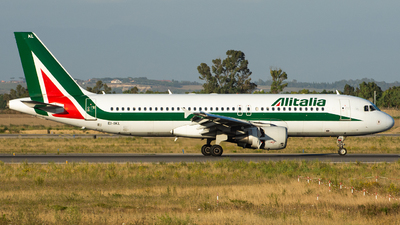 EI-IKL - Airbus A320-214 - Alitalia
