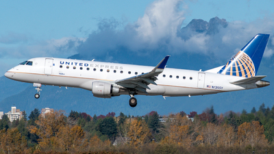 A picture of N135SY - Embraer E175LR - United Airlines - © Michal Mendyk