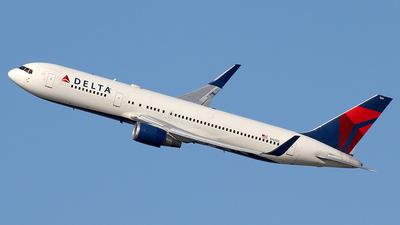 N155DL - Boeing 767-3P6(ER) - Delta Air Lines