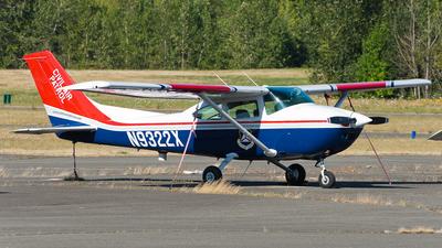 A picture of N9322X - Cessna 182R Skylane - Civil Air Patrol - © SpotterPowwwiii