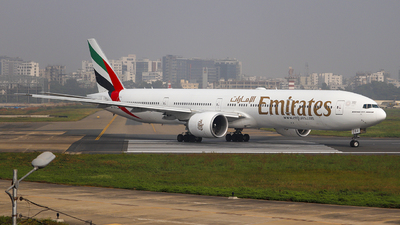 A6-ECJ - Boeing 777-31HER - Emirates