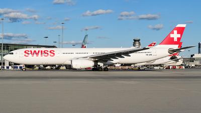 A picture of HBJHE - Airbus A330343 - Swiss - © MingyaoLeonardo