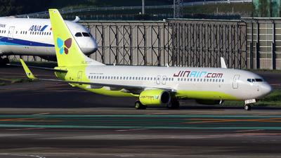 HL8017 - Boeing 737-8SH - Jin Air