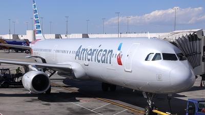 N542UW - Airbus A321-231 - American Airlines