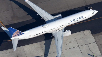 A picture of N68843 - Boeing 737924(ER) - United Airlines - © William Vignes