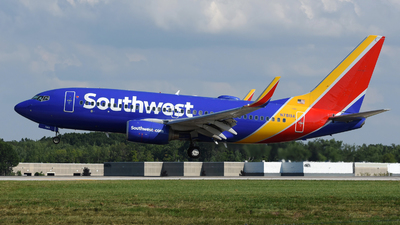 A picture of N7819A - Boeing 7377Q8 - Southwest Airlines - © DJ Reed - OPShots Photo Team