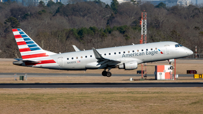 A picture of N435YX - Embraer E175LR - American Airlines - © Yan777