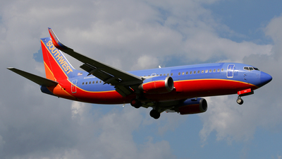 N355SW - Boeing 737-3H4 - Southwest Airlines