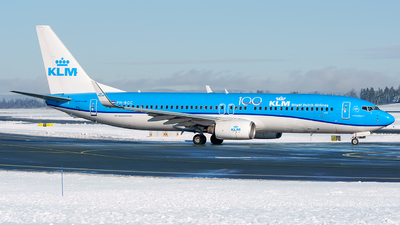 A picture of PHBGC - Boeing 7378K2 - KLM - © Laszlo Fekete