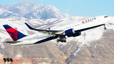 A picture of N1605 - Boeing 767332(ER) - Delta Air Lines - © Michael Rodeback