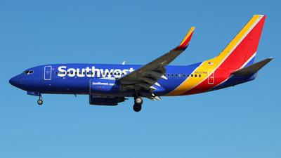 N437WN - Boeing 737-7H4 - Southwest Airlines