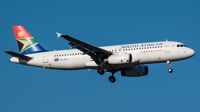 ZS-SZY - Airbus A320-232 - South African Airways