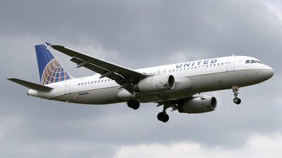N448UA - Airbus A320-232 - United Airlines