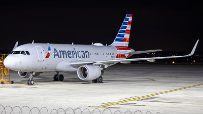 N9016 - Airbus A319-115 - American Airlines