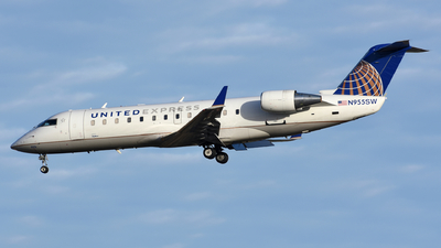 A picture of N955SW - Mitsubishi CRJ200LR - United Airlines - © Martin Nimmervoll