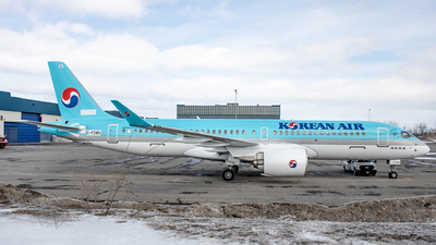 C-FOWU - Bombardier CSeries CS300 - Korean Air