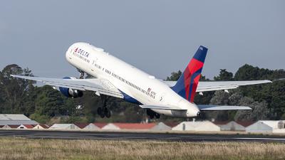 A picture of N6716C - Boeing 757232 - Delta Air Lines - © Juan Manuel Galvez
