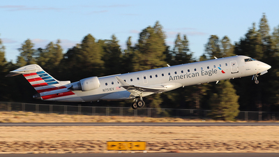 A picture of N751EV - Mitsubishi CRJ701ER - American Airlines - © Alexander Aston