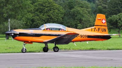 T7-FUN - Pilatus PC-7 - Private