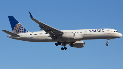 A picture of N18112 - Boeing 757224 - United Airlines - © Xiamen Air 849 Heavy