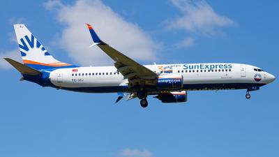 A picture of TCSEJ - Boeing 7378HC - SunExpress - © Fabian Wlasak