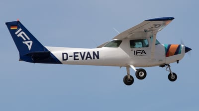 D-EVAN - Cessna 152 II - IFA - Instituto de Formação Aeronáutica
