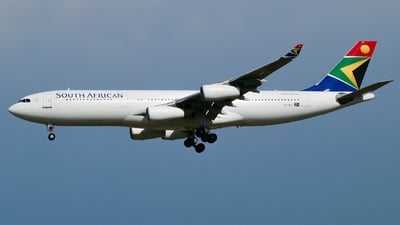 ZS-SLF - Airbus A340-212 - South African Airways