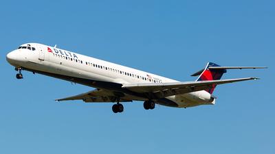 N927DA - McDonnell Douglas MD-88 - Delta Air Lines