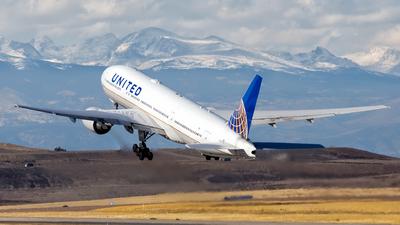 N781UA - Boeing 777-222 - United Airlines