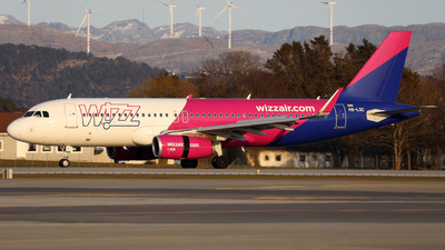 A picture of HALSC - Airbus A320232 - Wizz Air - © R.Rimestad