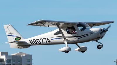 N6027A - Cessna 162 SkyCatcher - Isla Grande Flying School