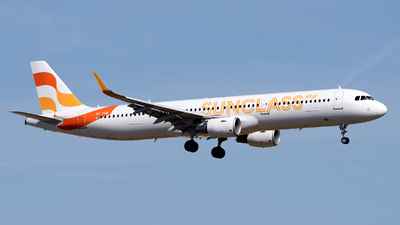 A picture of OYTCD - Airbus A321211 - Sunclass Airlines - © Toni Marimon