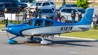 N181W - Cirrus SR22T-GTS - Private