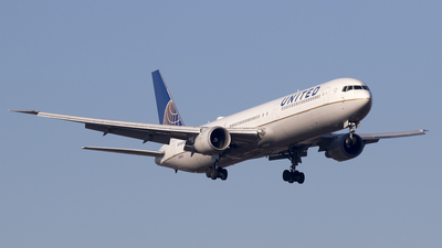 N76062 - Boeing 767-424(ER) - United Airlines